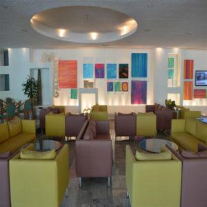 Royal Cancun lounge